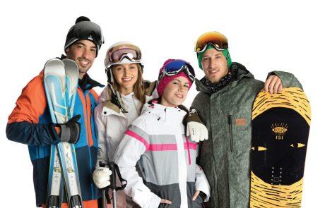 בגדי השלג החדשים: הפקת אופנה שהכי עושה חשק לעלות ב – T Bar ולרדת ב- Offpiste