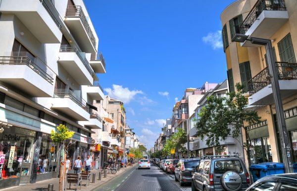 איך קובעים מחיר ריאלי של נכס בתל אביב? אחרי יום בסוכנות תיווך יש לנו תשובות גם לזה
