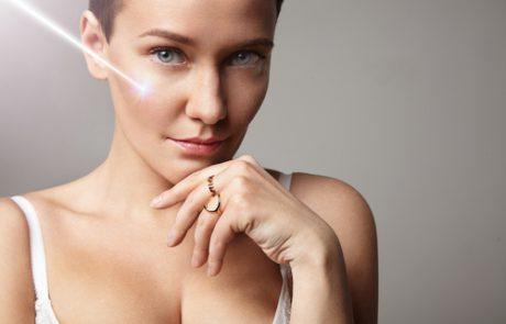 5 שיטות מתקדמות להצערת העור עם תוצאות של מראה טבעי. והעיקר: כמה שנים הן מוחקות מהפנים?