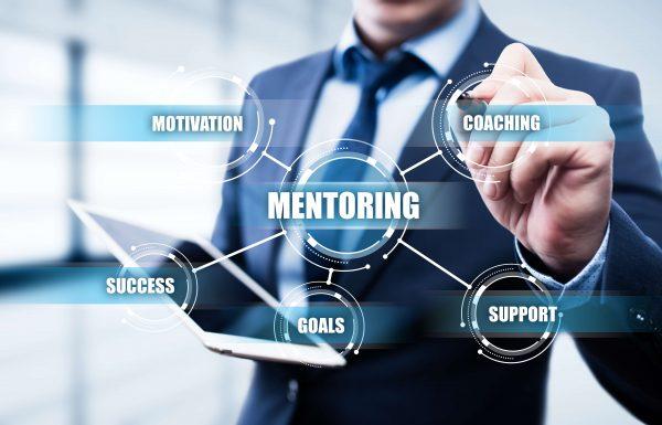 """גם אם את כבר מנכ""""לית מנוסה, וגם אם אתה סמנכ""""ל בכיר מאד, יש סיכוי לא רע בכלל שמנטורינג מוצלח ייקח אתכם למחוזות חדשים."""